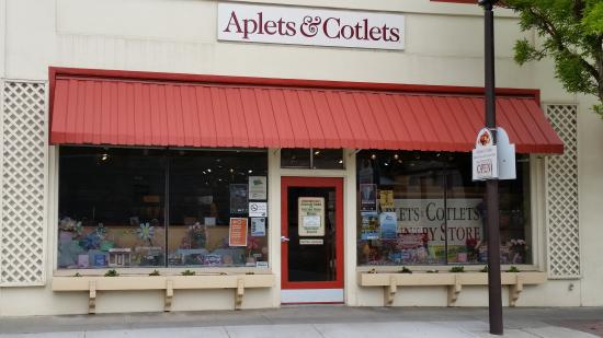 Aplets & Cotlets Candy Kitchen & Country Store: Storefront