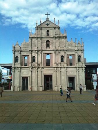 Galeria Municipal Vieira da Silva