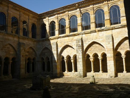 Monasterio de San Andres de Arroyo