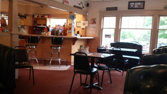 แคลกามัส, ออริกอน: Dean's Homestyle Cafe