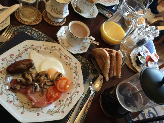 The Heathers Guest House: The English breakfast