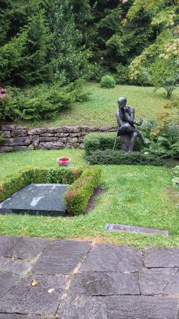 Friedhof Fluntern (Fluntern Cemetery): James Joyce plot, July 2014