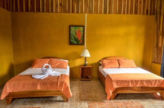 Hotel Brisas Arenal: Family ROOM