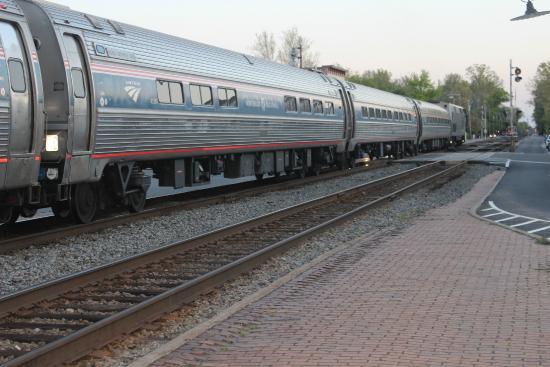 Iron Horse Restaurant: AMTRAK passenger train enroute to Richmond, VA