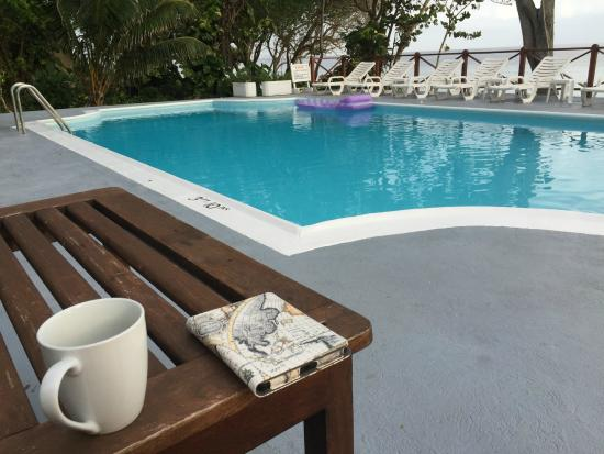Prospect Plantation: Coffee by the pool