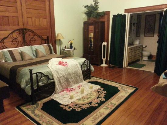 Baker St. Harbour, Waterfront Bed and Breakfast : Dr. Doyle Suite