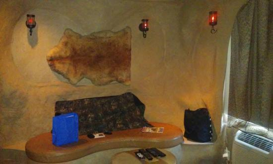 Sunset Inn & Suites : sitting area
