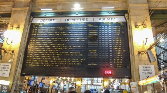 ปารีส, ฝรั่งเศส: Paineis com toda informaçao