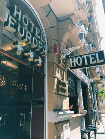 Hotel Husa Europa: Entrance