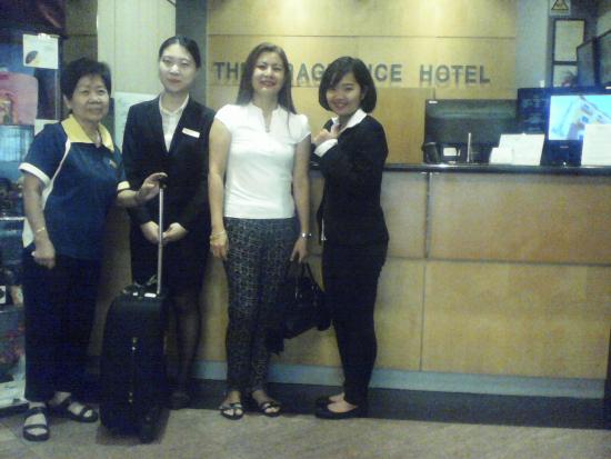 The Fragrance Hotel (Joo Chiat) : The Excellent Staff of Fragrance Hotel- Courteous and Accomodating