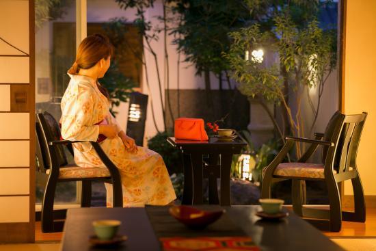 Ryokan  Yoshinoya: 客室(庭付・イメージ)