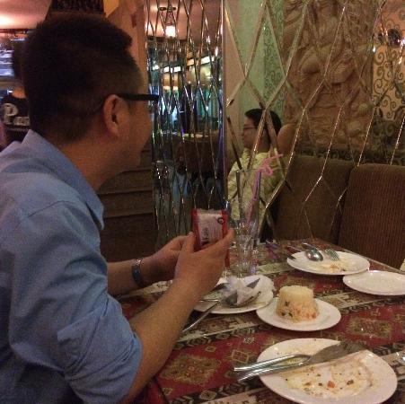 Pasha : Enjoying the decor
