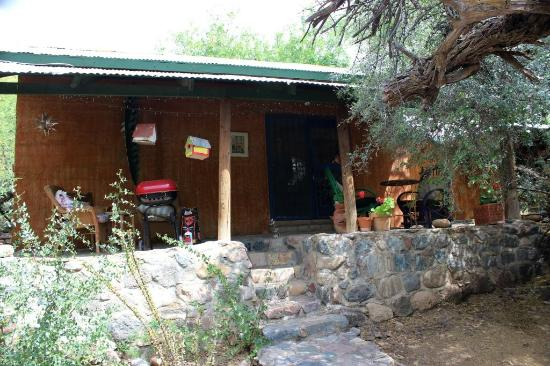 Aravaipa Farms Orchard and Inn: The Blue Door Cabin