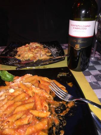 Bar Caffetteria Pasquino : Lasagna and Pasta