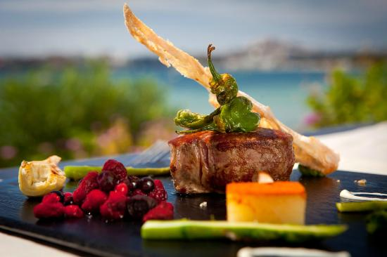 Hotel Ses Figueres: Our kitchen offers both modern and traditional dishes