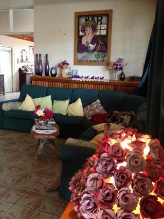 Innot Hot Springs, Australië: Corner lounge for lounging