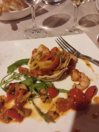 Ribot Olgiata: Antipasto: tortino con gamberi rossi