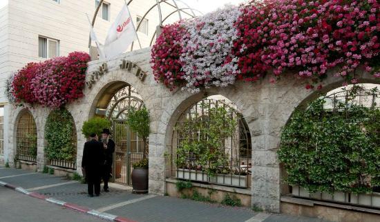 Hotel Prima Palace: Facade/Entrance to Prima Palace