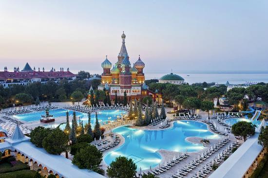 Pgs hotels kremlin palace resort antalya turquie voir for Piscine kremlin