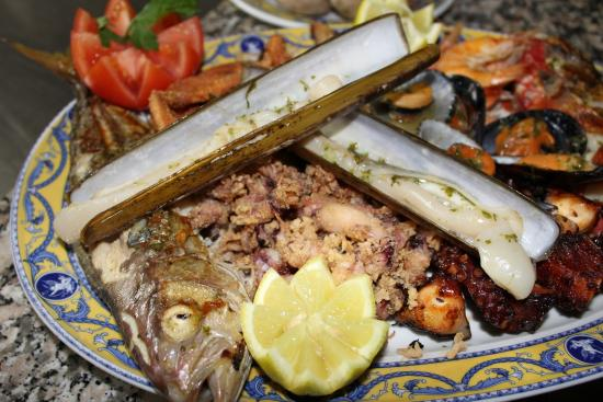Restaurante Aristides: Parrillada de pescado.