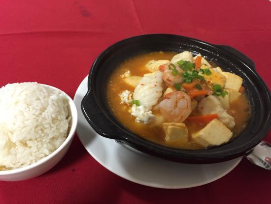 Le Panda D'Or: Cassoulet Tofu aux Fruits de Mer (Claypot seafood beancurd)