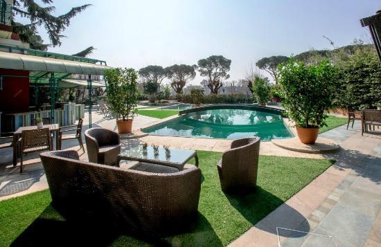 Grand Hotel Panoramic piscina