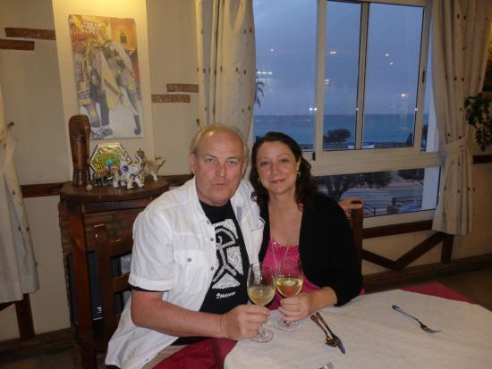 Mountains of the Moon Bar & Indian Restaurant: Inside restaurant with lovely sea view