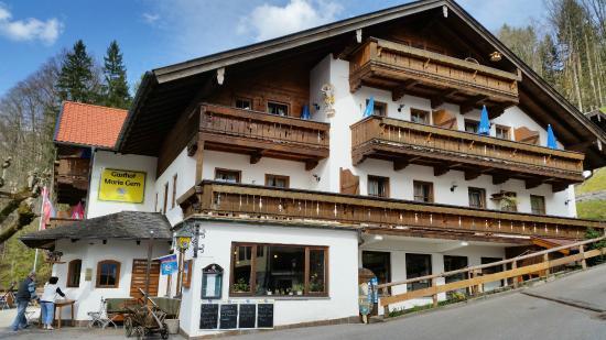 Hotel und Gasthaus Maria Gern : Blick aufs Hotel bei der Ankunft