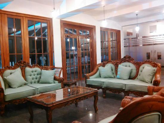 Royal Hills Nuwara Eliya: Lobby