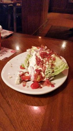 Outback Steakhouse: Hilarious side salad