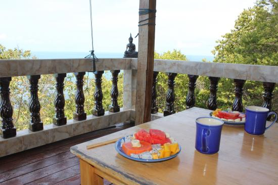 Saaree Seaview Resort: Breakfast with a view