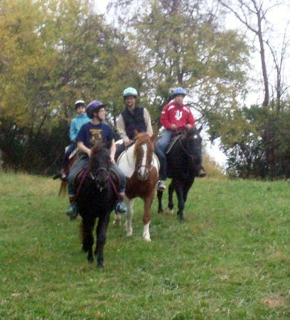First Farm Inn Horseback Riding : Groups are limited to five for safety reasons.