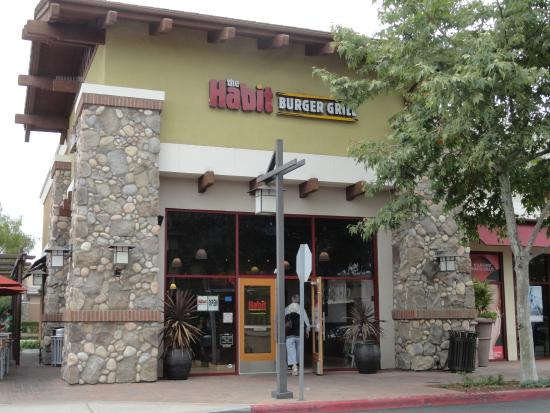 The Habit Burger Grill: Front of the establishment