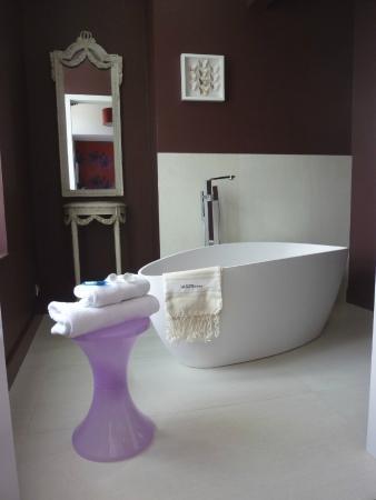 Hôtel La Suite : chambre G (espace bain)