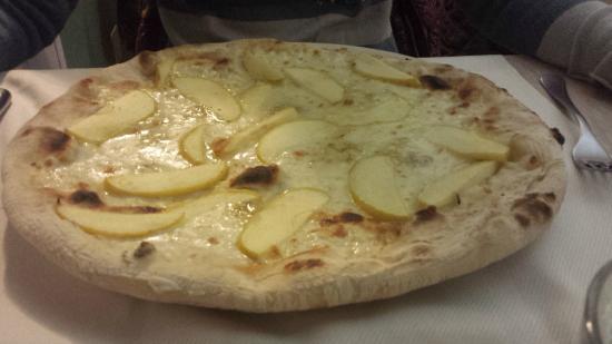 Pizzeria la Chicca Pizza zola e mele