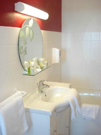 Hotel l'Oree du Bois : Salle de bain