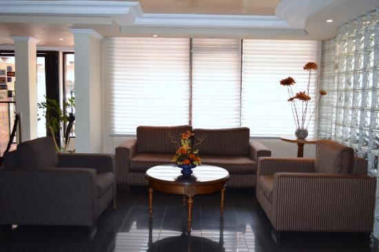 La Carolina Inn: Lobby