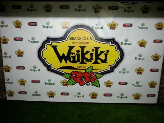 Club Waikiki: wall of fame !! :)
