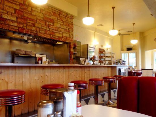 Sugar Pine Cafe: Spotless & old skool. Likey!