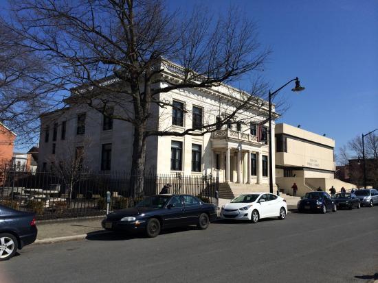 Trenton Free Public Library