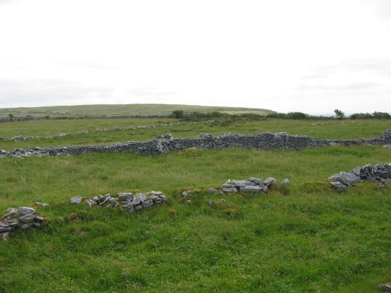 Killinaboy, Irlandia: Three rings