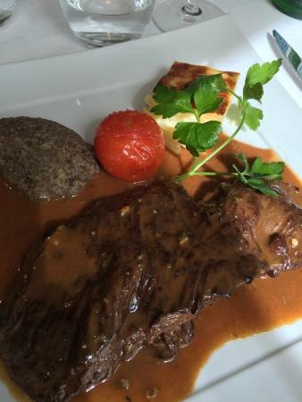 La Vigneraie: Beef filet with the divine blue cheese sauce