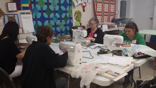 Mary Jo's Cloth Store: We have classes too!!