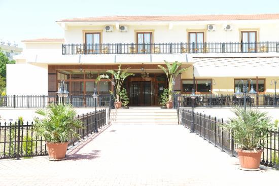 Riverside Garden Hotel Kyrenia Restaurant