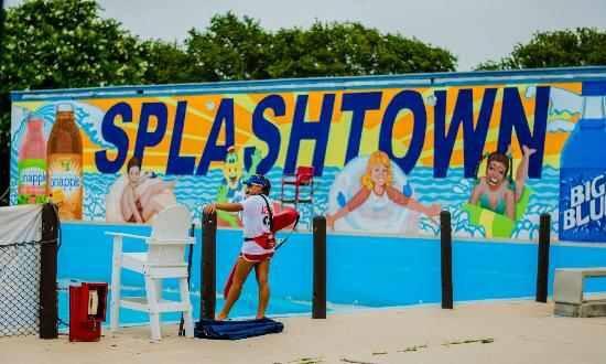 Days Inn by Wyndham San Antonio Splashtown/ATT Center ...