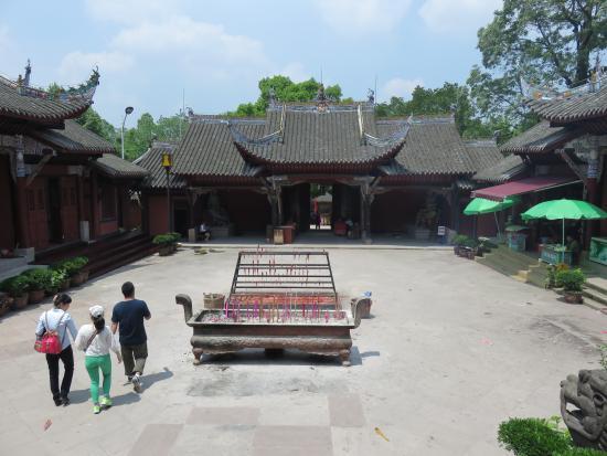 Shengshou Temple: 境内