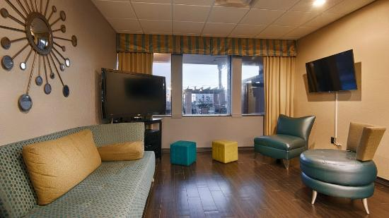 Emerald Coast Inn & Suites: Lobby2