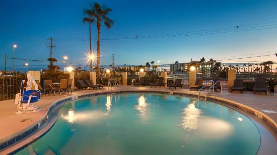 Emerald Coast Inn & Suites: Pool 2