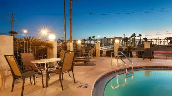 Emerald Coast Inn & Suites: Pool4