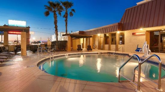 Emerald Coast Inn & Suites: Pool3